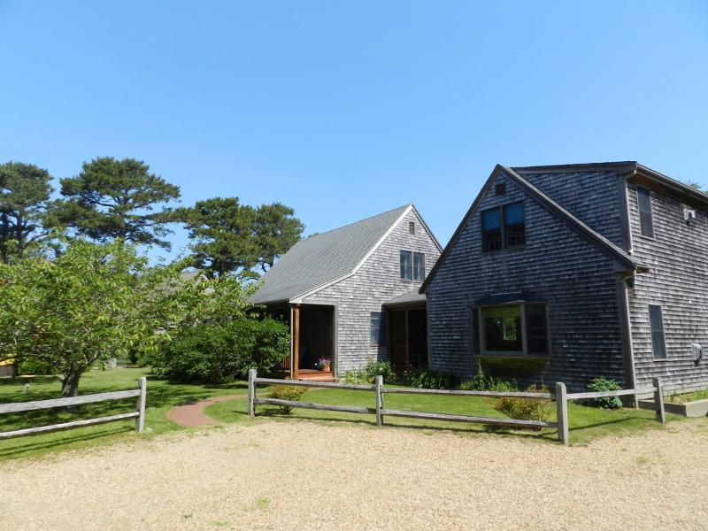#7063 Nicely appointed three bedroom cape house - Image 1 - Edgartown - rentals