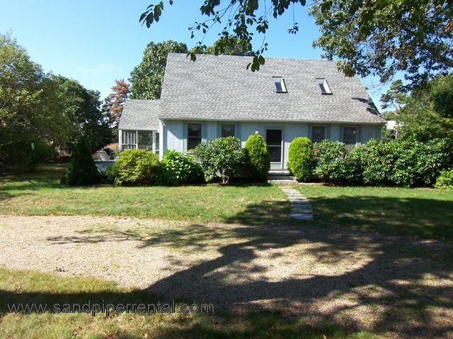 #7139 Vineyard beach house w/ wrap-around front deck - Image 1 - Edgartown - rentals