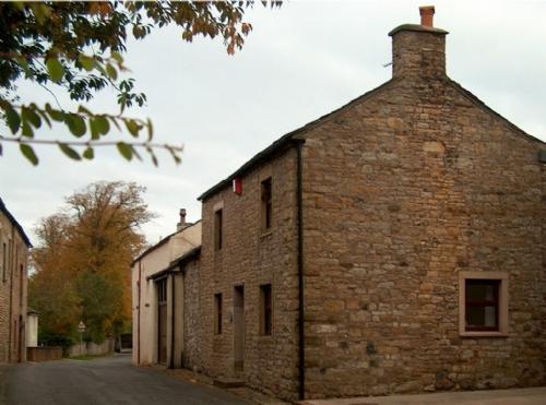 ELLWOOD HOUSE, Caldbeck, Nr Keswick - Image 1 - Caldbeck - rentals