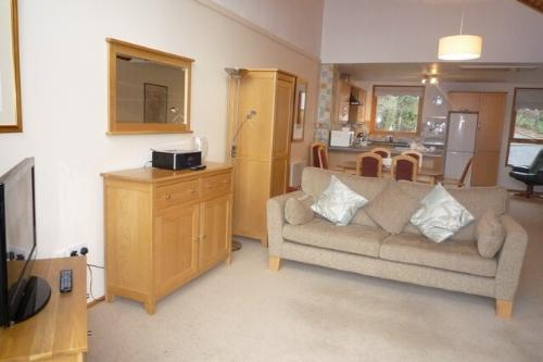 KESWICK BRIDGE 20, 3 Bedroomed, Keswick, Christmas week - Image 1 - Keswick - rentals