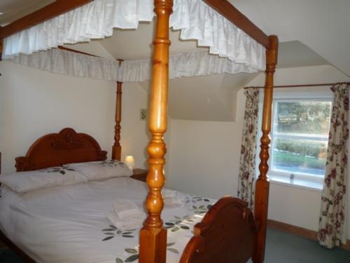 ROSE COTTAGE, Nr Alnwick, Northumbria - Image 1 - Alnwick - rentals