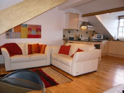 SKIDDAW VIEW, Chaucer House, Keswick - Image 1 - Keswick - rentals