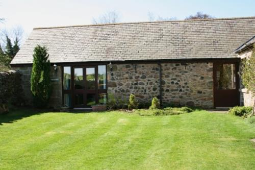COLDGATE MILL BARN ANNEX, Nr Wooler, Northumbria - Image 1 - Wooler - rentals