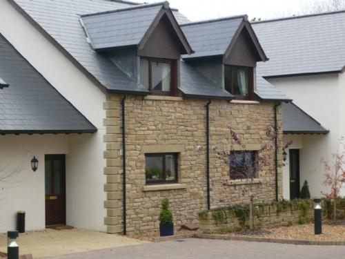 WHITBARROW HOLIDAY VILLAGE (7), Nr Ullswater - Image 1 - Ullswater - rentals