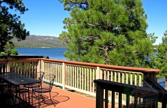 View From The Deck - The Antlers Cabin a cozy Lakefront Big Bear Vacation Cabin with superb panoramic views of the lake and BBQ. - Big Bear Lake - rentals