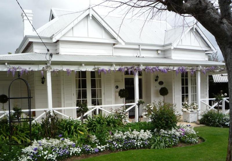 Welcome to The Hollies, Luxury Accommodation, Guildford, Western Australia - The Hollies Luxury Accommodation and B&B - Perth - Perth - rentals