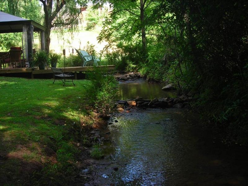 Hang Out by the Creek - Perfect for Couples Getaway & Large Family Reunion - Franklin - rentals