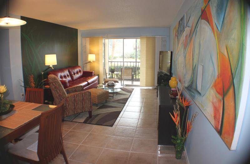 Living Room - Fabulous Condo in Front of Siesta  Public Beach! - Siesta Key - rentals