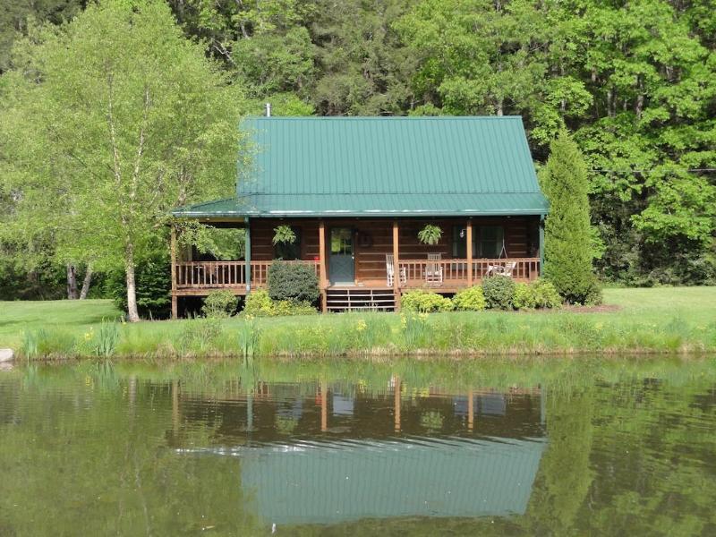 Flyfishntn Log Cabin Rental - Flyfishntn, LLC  log cabin rental East Tennessee - Shady Valley - rentals