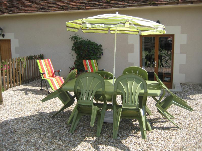 The Gite's Patio - La Miniere Gite, Argenton Sur Creuse, Limousin - Chemille Sur Indrois - rentals