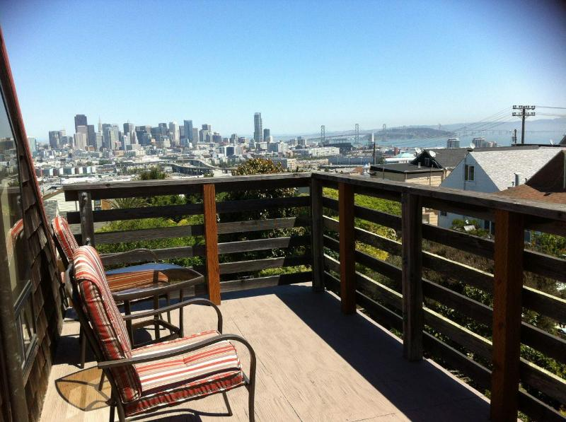 Awesome views - San Francisco Apartment w/Skyline and Bay Views. - San Francisco - rentals