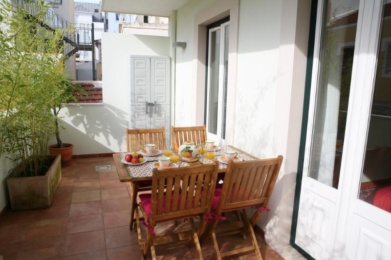 Apartment in Lisbon 219 - Príncipe Real / B. Alto - Image 1 - Lisbon - rentals
