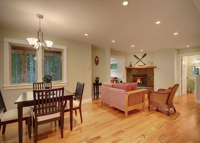 Beautifully finished Fish Hook Lake House near Lakedale Resort! - Image 1 - Friday Harbor - rentals