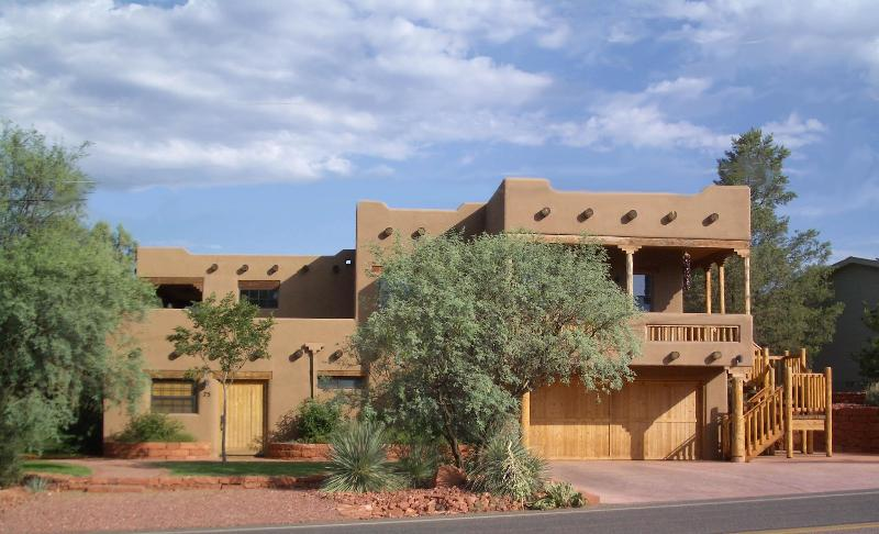 House from the street - 2 Luxurious Private Suites at Red Rock Crossing - Sedona - rentals