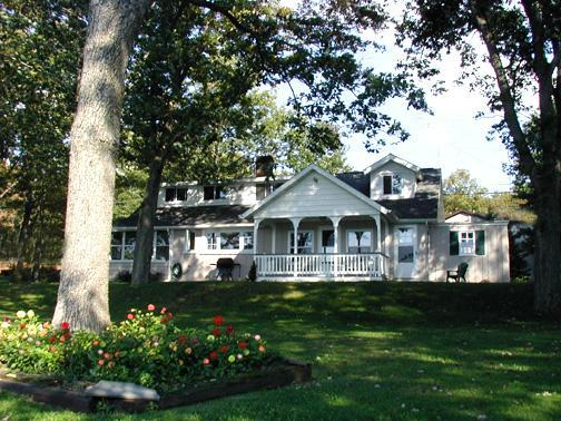 Charming Lakefront Cottage - Charming Lakefront Cottage - White Haven - rentals