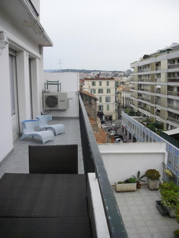 Apartment in Cannes near Beach, Restaurants, and Shops - Residence Lecerf - Image 1 - Cannes - rentals