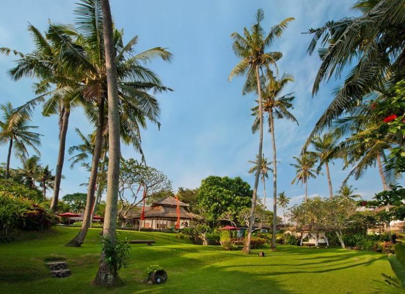 Beachfront Villa Vacation Rental in Canggu Bali - Image 1 - Canggu - rentals