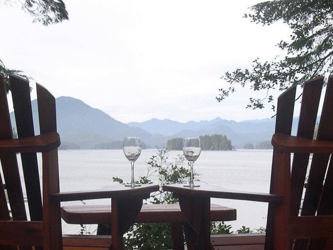 Mmmmmm so nice - Tofino Chalet Main House (3 bedrooms) & Suite (2 bedrooms) - Tofino - rentals