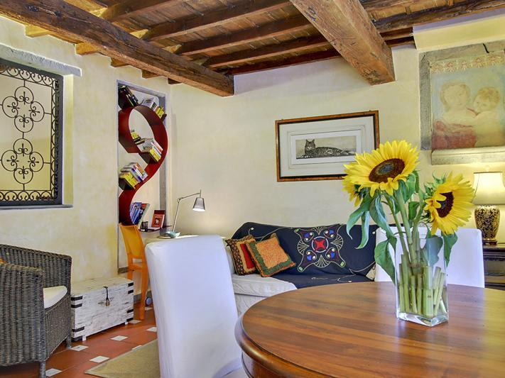 Living room - Lovely 2 Bedroom Flat in the Heart of Florence - Florence - rentals