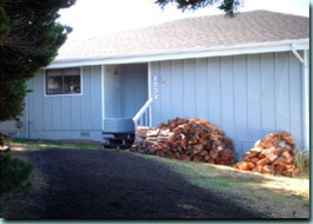 Cozy Cabin - Cozy Cabin--R405 Waldport Oregon vacation rental - Waldport - rentals