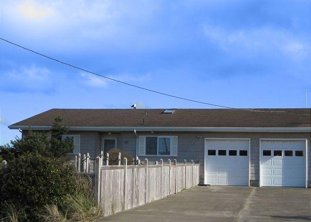 Harbor House - Harbor House--R391 Waldport Oregon bayfront vacation rental - Waldport - rentals