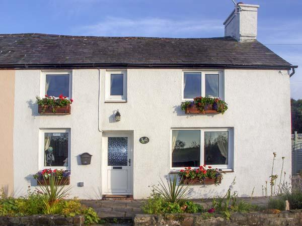 ARFOR, family friendly, country holiday cottage, with a garden in New Quay, Ceredigion, Ref 7089 - Image 1 - New Quay - rentals