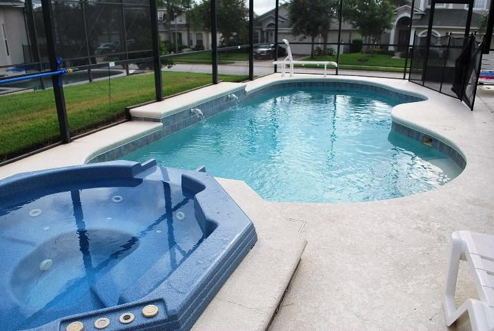 4BR Large Pool and Jacuzzi, Gated, Luxury, Games, 10 mins Disney - Image 1 - Davenport - rentals