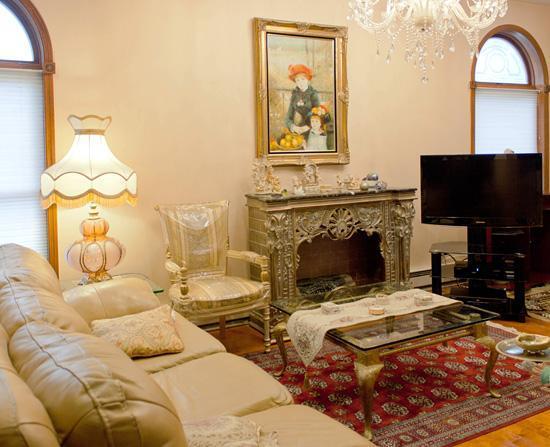 Charming living room - Large 2 BR Brooklyn Apt - Manhattan/NYC 25 min. - Brooklyn - rentals