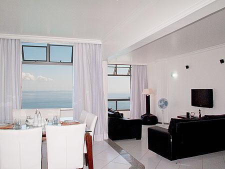Living Room - Air-Conditioned Bayfront Condo On Carnaval Route! - Salvador - rentals
