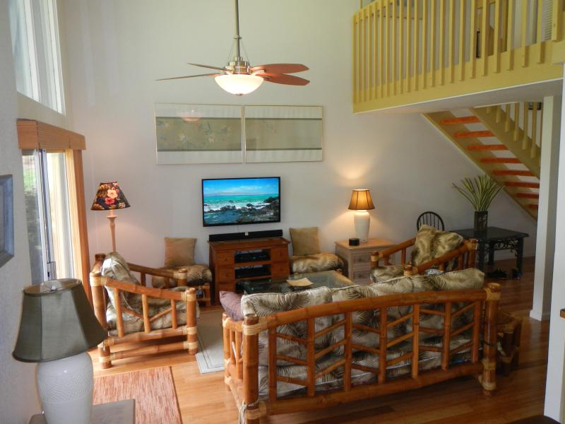 2-story high ceiling in living area - Great location in Princeville HDTV, HBO, SHO, WiFi - Princeville - rentals