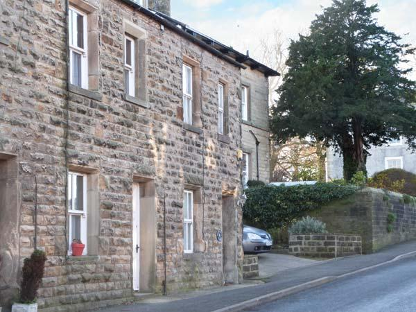 STONEBOWER COTTAGE, pet friendly, character holiday cottage, with open fire in Burton-In-Lonsdale, Ref 4336 - Image 1 - North Yorkshire - rentals