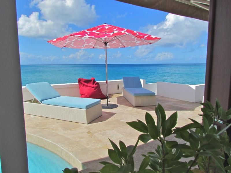 WOW WOW WOW, STUNNING INSIDE AND OUT! VILLA LIBRE` - Image 1 - Simpson Bay - rentals