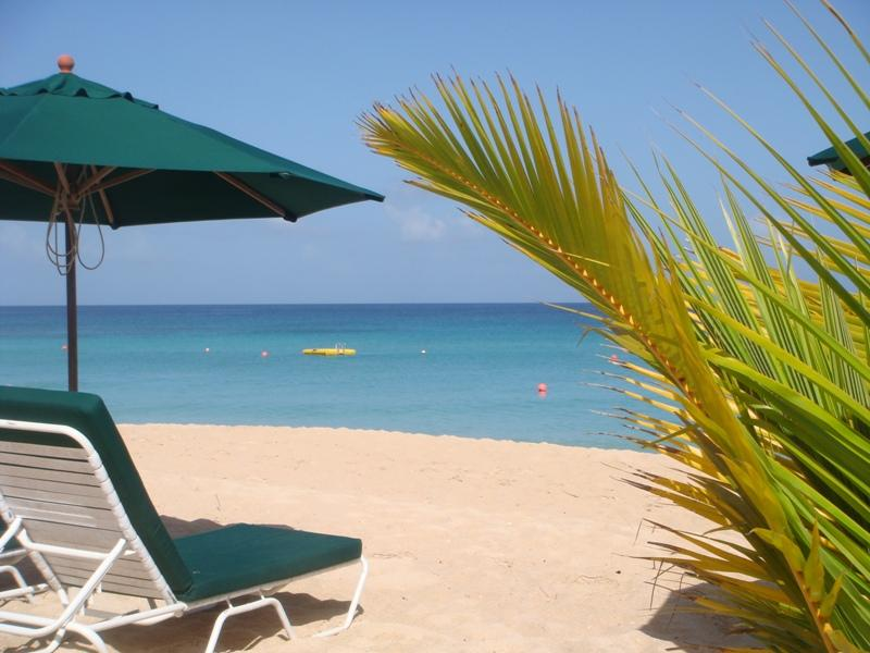 Best beach on the west coast - Beachfront Glitter Bay 109 'Sweet Fuh Days' - Holetown - rentals