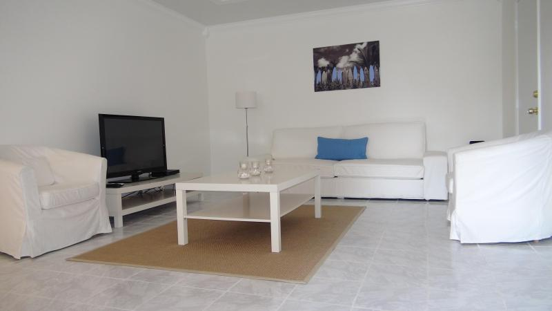 Large living room with flat screen tv.Secure,connecting door to studio,can be 2 bdrm if available. - Spotless 1 bdrm apt., private, close to beach! - Fort Lauderdale - rentals