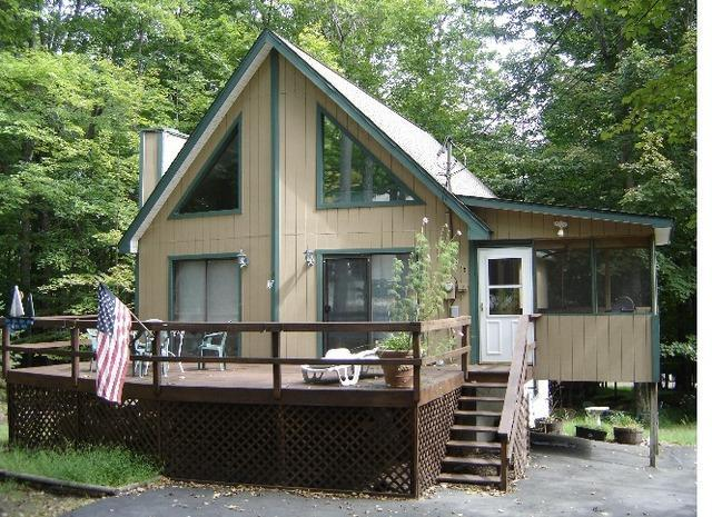 The PA Chalet - Summer Specials atThe PA Chalet Pocono Lake Region - Lake Ariel - rentals