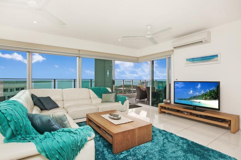 Living through to Balcony - Beachlife Sea Spray Sleeps 8   Luxury Condo  Sea V - Darwin - rentals