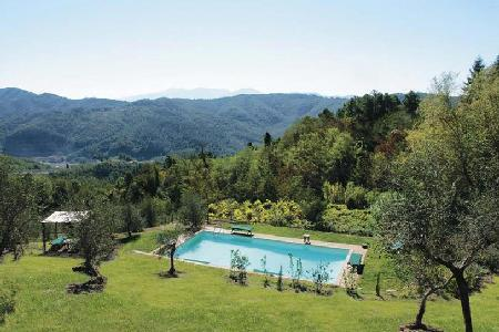 La Sorgente- groomed garden offers superb views, saltwater pool & bocci court - Image 1 - Lucca - rentals