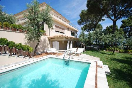 Lovely Villa Sorrento with Swimming Pool, Terrace, Outdoor jetted tub, and Wi-Fi - Image 1 - Sorrento - rentals