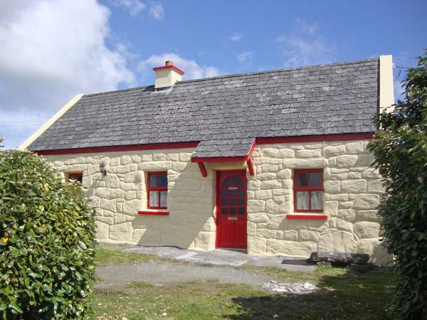 TI SONNY, family friendly, country holiday cottage, with a garden in Carna, County Galway, Ref 7947 - Image 1 - Carna - rentals