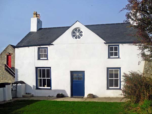 TY FFERM BODLASAN, family friendly, character holiday cottage, with a garden in Llanfachraeth, Ref 5625 - Image 1 - Llanfachraeth - rentals