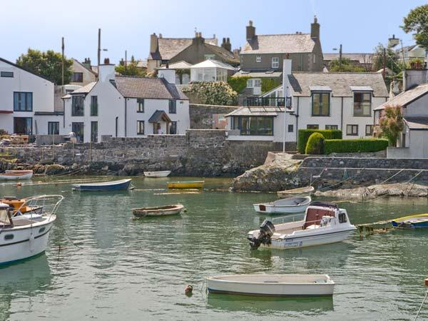 THALASSA, pet friendly, luxury holiday cottage, with a garden in Cemaes Bay, Isle Of Anglesey, Ref 8726 - Image 1 - Cemaes Bay - rentals