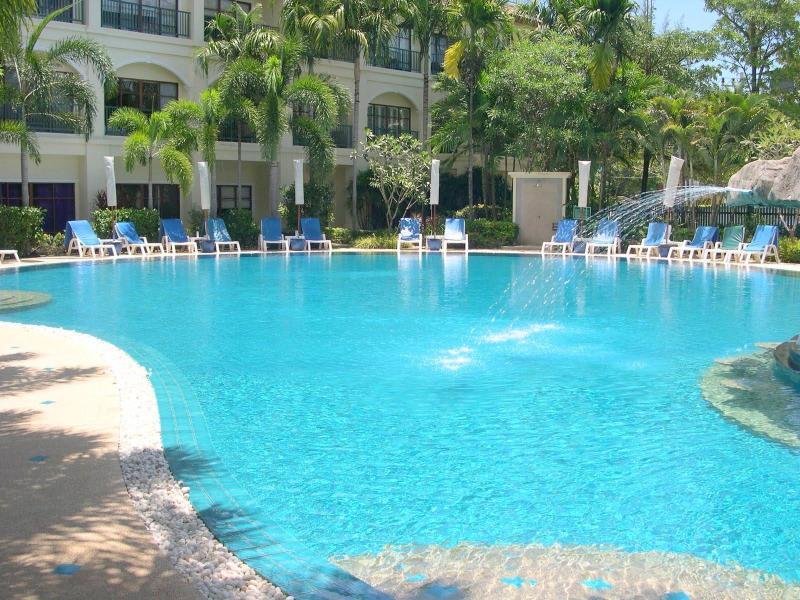 Bangtao beach apartment with 50m pool, 2 bedroom, ground floor, no stairs, Baan Puri Resort #314980 - Beach Vacation Apartment 2-bed Ground Beach Resort - Phuket - rentals