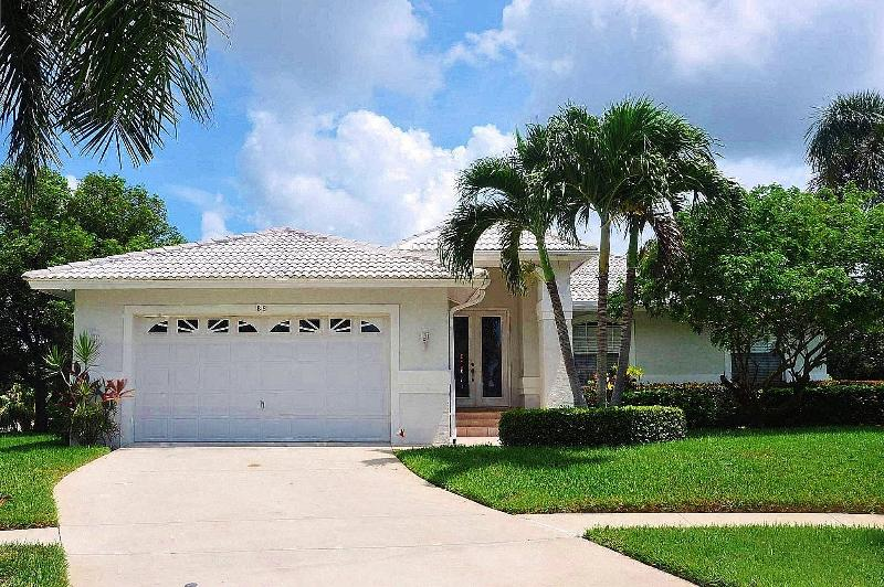 Algonquin Ct - ALGON88 - Charming Waterfront Home! - Image 1 - Marco Island - rentals