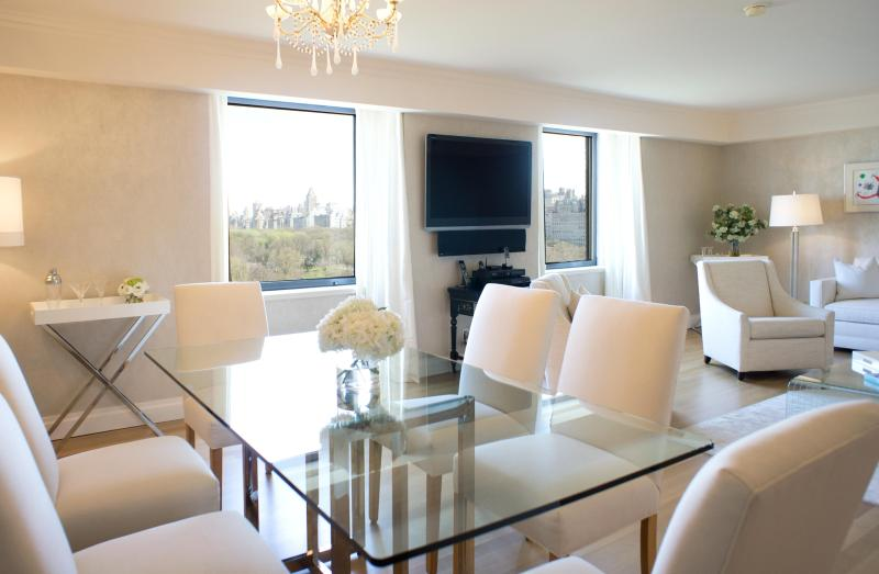 Dinning area - One Bedroom Residence (Suite 1101) - New York City - rentals