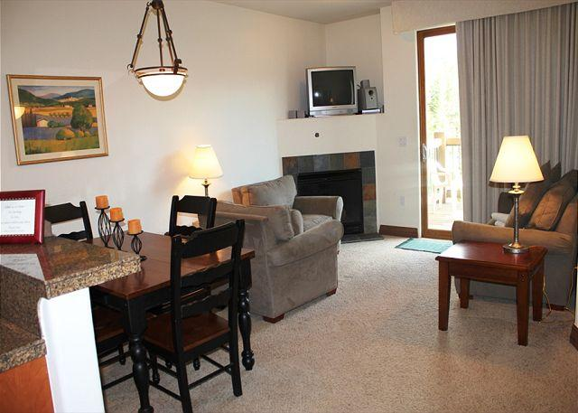 HGL313 Awesome Condo w/Elevator, Shuttle, Fireplace, Common Hot Tub, King Bed - Image 1 - Breckenridge - rentals