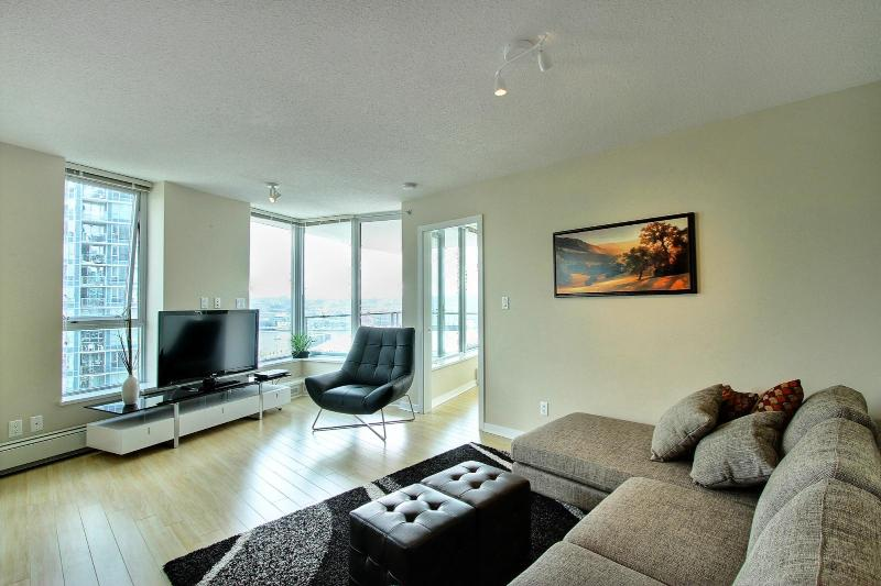 D28 - Spectacular 2 bedroom Downtown Vancouver - Image 1 - Vancouver - rentals