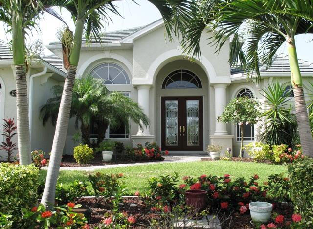 Gorgeous waterfront home - outside - Luxurious Waterfront Villa with Motorboat Incl - Cape Coral - rentals