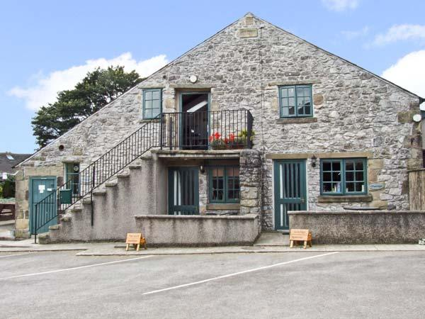 THE LOFT, pet friendly, country holiday cottage, with a garden in Buxton, Ref 10235 - Image 1 - Buxton - rentals