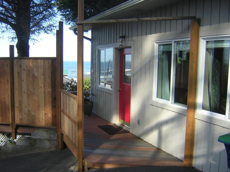 Romance of the Sea - Couples Only! Hot Tub, Views,  $149 Summer Rate - Lincoln City - rentals