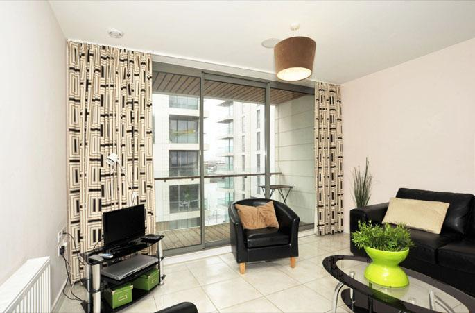Modern One Bed Apartment with Private Balcony - Titanic Quarter Apt, Belfast City Centre - Belfast - rentals